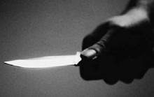 Đang âu yếm bất ngờ dùng dao rạch mặt người tình