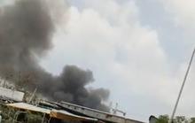 Cháy kho hàng bên trong bãi giữ xe ở quận 10