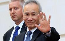 """Mỹ tăng thuế đối với hàng Trung Quốc là """"gậy ông đập lưng ông""""?"""