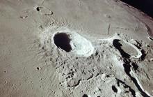 Mặt trăng ngày càng teo tóp