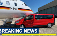Máy bay chở Thủ tướng Đức Angela Merkel bất ngờ gặp nạn