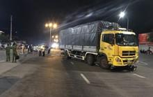 Va chạm với xe tải, 2 người tử vong tại chỗ