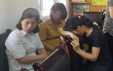 Cô giáo dùng đòn roi với hàng loạt học sinh bị buộc thôi việc