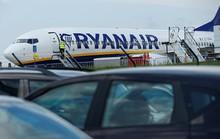 Nữ hành khách chết ngay khi máy bay sắp cất cánh