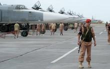"""Căn cứ Nga tại Syria bị """"dội"""" tên lửa"""