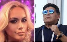 Bạn gái tố nợ, Maradona bị bắt ở sân bay Mexico