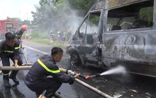 Kinh hãi cháu bé tử vong vì bị kẹt trong xe khách đang chạy bỗng bốc cháy