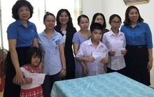Khánh Hòa: Tặng quà cho thiếu nhi bị dị tật