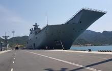 Đón đại bản doanh trên biển của hải quân Úc đến Cam Ranh