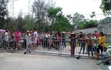 Dân bức xúc vì bị công ty rào đường ra biển đánh bắt hải sản