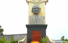 Dân vùng Tứ giác Long Xuyên tổ chức lễ giỗ cố Thủ tướng Võ Văn Kiệt