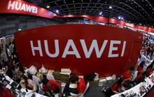 """Huawei """"vỡ mộng"""" nhà sản xuất điện thoại hàng đầu thế giới"""