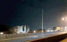Cầu Phú Mỹ tê liệt gần như thâu đêm