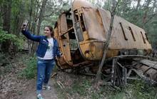 Du khách đổ xô đến thành phố bị nhiễm phóng xạ ở Ukraine