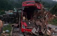 Tai nạn kinh hoàng giữa xe khách và xe tải, 3 người chết, hơn 30 người bị thương