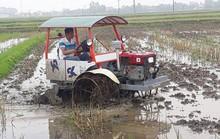 """""""Ăn chặn"""" cả trăm triệu đồng hỗ trợ máy cày cho nông dân, 2 cán bộ huyện bị kỷ luật"""