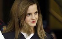 Phù thủy Emma Watson tặng sách cho sinh viên