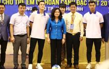 Văn Toàn khai mạc Giải Bóng đá quốc gia dành trẻ em có hoàn cảnh đặc biệt năm 2019