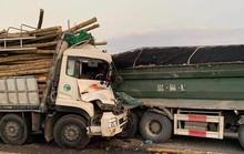 Tai nạn kinh hoàng trên cầu Thanh Trì, 2 người tử vong trong cabin