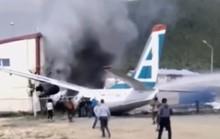 Máy bay chở khách bốc cháy, 2 phi công thiệt mạng