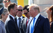 Tổng thống Trump đem tranh cãi đến Anh