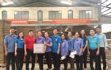 Quảng Bình: Thăm hỏi, tặng quà công nhân khó khăn