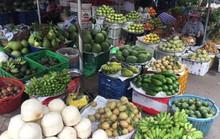 Giá thực phẩm tăng chóng mặt, tiểu thương nói Tết mà!