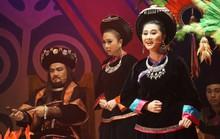 Đông ngôi sao sân khấu đến chiêm ngưỡng Chuyện tình Khau Vai