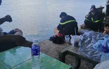 Bé trai bán vé số quê Kiên Giang mất tích trên sông Vàm Cỏ Đông