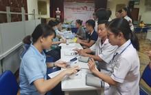 Hơn 100 y - bác sĩ tham gia hiến máu cứu người