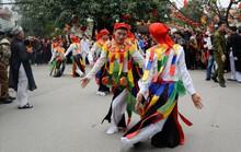 Hà Nội: Biểu diễn múa dân gian Con đĩ đánh bồng trong lễ hội đường phố