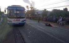 Xe buýt và xe máy đối đầu, người đàn ông tử vong tại chỗ