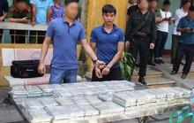 Bắt vụ vận chuyển 100 bánh heroin trên xế hộp