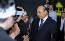Thủ tướng Nguyễn Xuân Phúc tiễn biệt giáo sư Hoàng Tụy