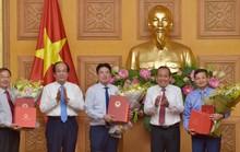 Các ông Vũ Viết Ngoạn, Nguyễn Văn Tùng nhận sổ hưu