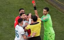 Lãnh thẻ đỏ sau 14 năm, Messi nhận án phạt như đùa hậu Copa America