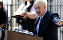 Ông Johnson đại tu nội các vào ngày đầu tiên làm Thủ tướng Anh