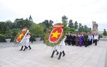 Lãnh đạo TP HCM dâng hương các anh hùng liệt sĩ