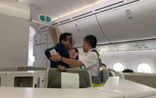 Khách thương gia bị tố sàm sỡ trên máy bay: Cục Hàng không chỉ ra điểm bất thường trong xử lý