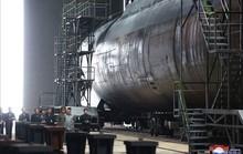 """Tàu ngầm mới của Triều Tiên """"xịn"""" cỡ nào?"""