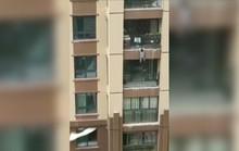 Rơi từ tầng 6 tòa nhà, bé trai 3 tuổi may mắn được cứu sống