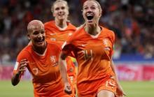 Hà Lan vào chung kết World Cup nữ nhờ bàn thắng vàng
