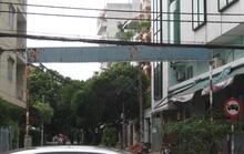 Bảng hiệu khu phố nhếch nhác