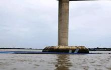 Hy hữu 2 sà lan tải trọng hơn ngàn tấn lần lượt chìm gần cầu Mỹ Lợi