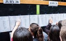 Học sinh Pháp hoang mang vì giáo viên đình công không trả điểm thi
