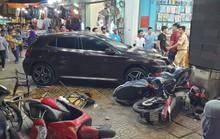 TP HCM: Ôtô điên lao vào dòng xe máy, người, xe văng la liệt