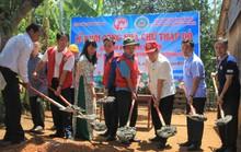 Trao 150 căn nhà Chữ thập đỏ cho gia đình chính sách