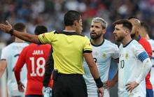 Sergio Aguero bảo vệ Messi sau những lời chỉ trích ở tuyển quốc gia
