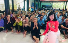 Ca sĩ Trang Mỹ Dung: Hát để xoa dịu nỗi đau của người bất hạnh