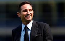 Tân HLV Chelsea Lampard mướt mồ hồi tập luyện cùng học trò